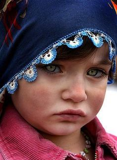 by yury How a nice girl, How she have beautiful eyes.little girl you are so so so beautiful . why so sad? Precious Children, Beautiful Children, Beautiful Babies, Kids Around The World, People Around The World, Baby Pictures, Cute Pictures, Beautiful Eyes, Beautiful People