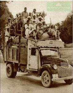 Migrants coming to Pakistan for a promised Muslim homeland,leaving everything behind.Around 10 Million were massacred as a result of ensuing violence between Hindus,Sikhs & Muslims who didn't want any Muslim alive to reach the newly born Pakistan in 1947.One of the lesser known holocausts.But it is etched in the collective memory & consciousness of every Pakistani.The price we had to pqy in blood to escape Hindu domination as is rampant today in Modi's India.