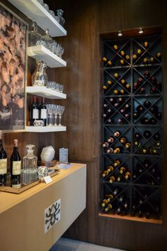 Wine bar on pinterest wine bars traditional kitchens for Home decor 41st