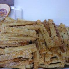 Ecetes sajtos rúd Rum, Waffles, Bread, Breakfast, Recipes, Food, Kitchen, Morning Coffee, Cooking