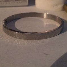 bracelet worn a couple of times Jewelry Bracelets