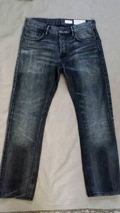 All Saints slim Jeans Mens Size 30w 28L Iggy GreyThese All Saints slim Jeans Mens Size 30w  are coool!  * Rinse, treatment: Nice Fading, Distinctive whiskering add nice extra detail  * Model: Iggy  Occasional frays enhance the distressed worn-in styling that is  so popular at the  moment  * Rise: Mid  for sexy look!   * Pockets:  5  * Style:  Slim  style  * Fly: 3  Button - All buttons/rivets branded All Saints Spitalfields  * Main Colour: Grey  * Material: Denim