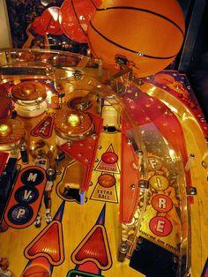 basketball pinball machine | NBA Pinball By Stern of 2009 at www.pinballrebel.com