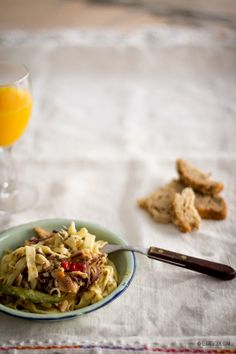 Tagliatelle com sardinhas picantes Tagliatelle with spiced sardines I Foods, Spicy, Pasta, Fish, Portuguese, Cooking, Health, Grande, Ethnic Recipes