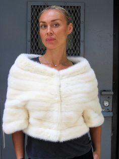 For that special day or outfit: Pre-Owned Creamy White Mink Bolero Jacket ( size: 8) (For Sale or rental)