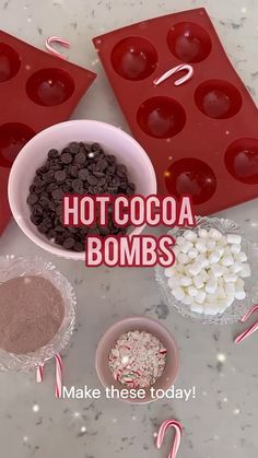 Hot Chocolate Coffee, Hot Chocolate Gifts, Chocolate Bomb, Hot Chocolate Bars, Hot Chocolate Recipes, Christmas Party Food, Christmas Sweets, Christmas Desserts, Holiday Treats