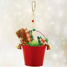 Fill this Festive Bucket with all your Parrot's favourite things and keep them occupied this holiday season. It already has lots of festive themed foot toys and chewable materials, but there's plenty of room for more. Plus the bells on the outside ring away happily as your Parrot plays.
