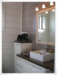 Hirsitalo vessa. Kuva blogista sisustus & sepustus.