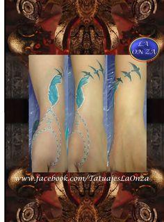 Tattoo. Tatuaje. Pluma. Feather. Aves. Color. Azul. Tatuajes. Mujeres. La Onza. Tattoo Artist. Tatuador. Mexico. Art. Arte