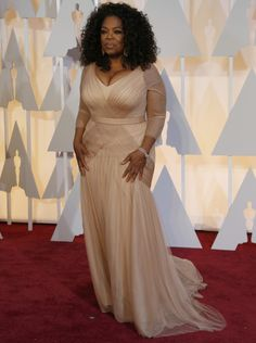Oprah Winfrey looking gorgeous at this year's Oscars Celebrity Pictures, Celebrity Style, Oscar Fashion, Oprah Winfrey, Red Carpet Fashion, Looking Gorgeous, Dream Dress, Beautiful Outfits, Beautiful Things