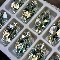 Crystal Moonlight, Genuine Swarovski Crystal, Navette 32x17mm Art 4227