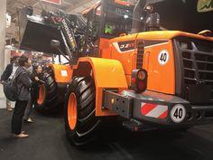 Doosan Equipment EU (@DoosanEquipment)   Twitter Engin, Heavy Machinery, Heavy Equipment, Tractors, Planets, Monster Trucks, Construction, Twitter, Vehicles