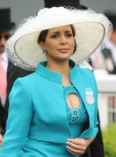 Princess Haya of Jordan, Sheikha of Dubai, at Royal Ascot in 2009 Princess Haya, Royal Princess, Jordan Royal Family, Dubai, Ascot Hats, Kentucky Derby Hats, Fancy Hats, Royal Ascot, Princesa Diana