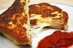 A Lazy Girl's Guide to Living Gluten Free: Grilled Mozzarella Cheese Sandwiches