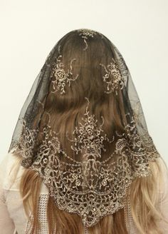 The Spanish Isabella Mantilla in Gold on Black at www.silverhilltreasures.com