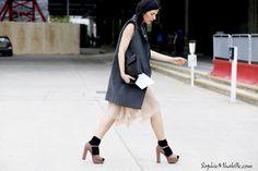 irina©SophieMhabille-women-street-style-fashion-london