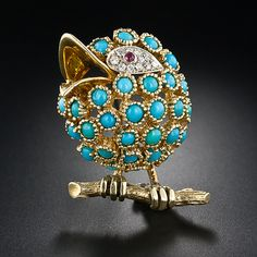 Vintage Cartier chick composed of 18 karat gold, turquoise and diamonds (plus a ruby eye) is singing for her supper in this delightfully whimsical Italian made pin. Numbered on back of beak and stamped Cartier on pin stem. Cartier Jewelry, Antique Jewelry, Vintage Jewelry, Handmade Jewelry, Gothic Jewelry, Vintage Brooches, Bird Jewelry, Animal Jewelry, Jewelry Design
