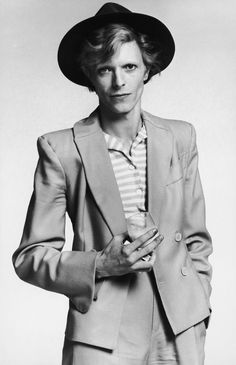 David Bowie interview by William S. Burroughs. Originally published in Rolling Stone, February 28, 1974.