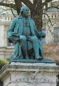 Benjamin Franklin, Trocadero Place, Paris XVI. An American in Paris, Benjamin Franklin, Ambasador.