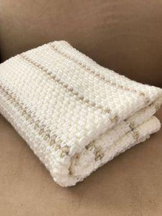 Crochet Baby Blanket Pattern - Chunky - Easy Pattern by Deborah O'Leary Patterns #crochet #baby #blanket #chunky