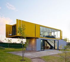 Container House - 4 Shipping Containers Prefab plus 1 for Guests - Who Else Wants Simple Step-By-Step Plans To Design And Build A Container Home From Scratch? Building A Container Home, Container Cabin, Storage Container Homes, Container House Plans, Container Office, Cargo Container, Container Store, Prefab Container Homes, 20ft Container