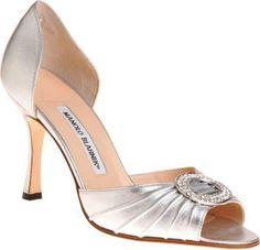 Manolo Blahnik. Carrie Bradshaw shoes! Sepatu yg hilang di episode dy ke Ultah anak temennya