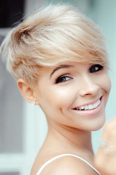 Are you out of short hair ideas? We can solve this problem! We always follow the trends to keep you updated. This photo gallery is a must-see! #shorthairlove #shorthairideas #shorthairstyles #hairstyles