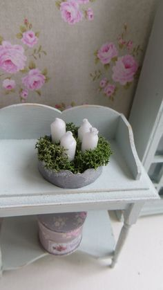 A single dollhouse miniature tray with candles in by Miniatyrmama