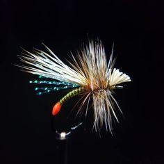 Hook Size 12 #whitingfarms Tags ~~~~~~~~~~~~~~~~~~~~~~~~ #dryfly#dryflys#dryflies#pescaamosca #malzaflytier#river#trout #tyingflies#atthevise#flyfishing#flytyingporn#flytyingaddict#flytyingmaterial#flytyingjunkie#flyfishingaddict#flytying#troutflies#flyfishing#picoftheday#フライフィッシング #釣り #мухоловка #рыбалка #peche #fluefiske #fluefiskeri #flugfiske #moscaseca #pescaconmosca ~~~~~~~~~~~~~~~~~~~~~~~~~~~~