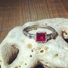 Heart of ruby and diamond's soul #piaamat #jewellery #lovering #barcelona #ruby #diamond #design