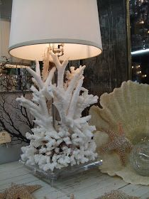 TG interiors: Coral, Shells and Decor. TG interiors: Coral, Shells and Decor. Seashell Projects, Seashell Crafts, Beach Crafts, Sea Coral Decor, Coral Lamp, Beach Cottage Decor, Coastal Decor, Shell Lamp, Cottages By The Sea