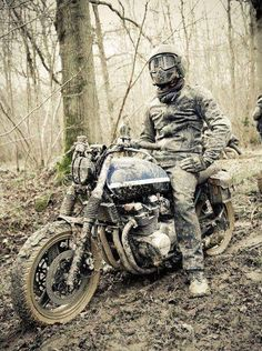 Adventure Kawasaki zephyr 750. Make my own road.