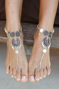 Women Silver Hollow Floral Detail Waterdrop Fringe Retro Anklet Chain - One Size Silver Ankle Bracelet, Ankle Jewelry, Body Chain Jewelry, Jewelry Model, Ankle Bracelets, Jóias Body Chains, Beach Wedding Shoes, Ankle Chain, Beautiful Toes