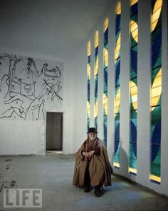 Matisse fotografiado en la Capilla del Rosario, en Vence, Francia. 1951 http://blog.winstonwachter.com/?tag=vence