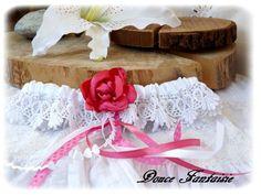 Jarreti�re blanc fuchsia en dentelle et fleur satin mariage