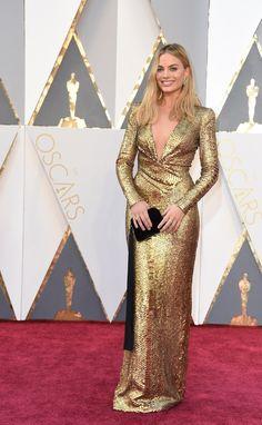 Fashion On The 2016 Oscars Red Carpet   Margot Robbie