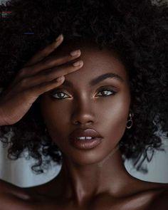 Beautiful Dark Skinned Women, Beautiful Black Girl, Dark Skin Makeup, Dark Skin Beauty, Black Beauty, Best Beauty Tips, Beauty Hacks, Maquillage Mary Kay, Black Girl Aesthetic