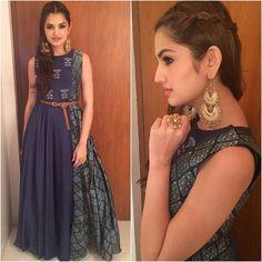 @taraalishaberry Outfit - @label_anushree Jewelry - @minerali_store Styled by - @jasleengill_official #bollywood #style #fashion #beauty #bollywoodstyle #bollywoodfashion #indianfashion #celebstyle