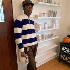 Black Men Street Fashion, Gap Teeth, Stylish Mens Outfits, Tyler The Creator, Flower Boys, Streetwear Fashion, Streetwear Men, Fine Men, Street Wear