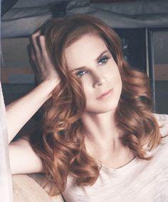 Elle est une actrice dans une émission que j'adore beaucoup. Elle s'appelle…