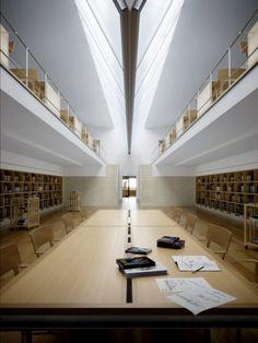 Vista geral da biblioteca.