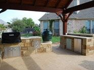 Versatile Large Outdoor Kitchen Space And Big Green Egg Oven With Images Patio Backyard Patio Large Backyard Landscaping