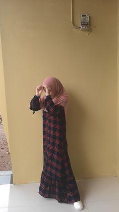 Stylish Hijab, Casual Hijab Outfit, Ootd Hijab, Hijab Chic, Abaya Fashion, Muslim Fashion, Fashion Outfits, Hijabi Girl, Girl Hijab