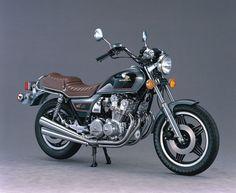 Custom - Like the brown seat! Honda Motorbikes, Motos Honda, Honda Cb750, Vintage Honda Motorcycles, Honda Bikes, Cool Motorcycles, Trike Bicycle, Wooden Bicycle, Japanese Motorcycle