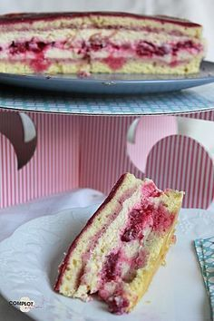 Framboisier au mascarpone Gourmet Recipes, Sweet Recipes, Cake Recipes, Dessert Recipes, Gourmet Foods, Köstliche Desserts, Delicious Desserts, Plated Desserts, Sweet Cooking