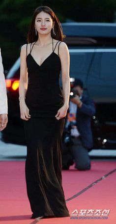 the 52nd Baeksang Awards MC red carpet #수지 missA_suzy O.....M....G.....