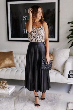 Bette Pleated Faux Leather Midi Skirt - Midi Skirts - Ideas of Midi Skirts Black Pleated Skirt Outfit, Long Skirt Outfits, Midi Skirt Outfit, Leather Midi Skirt, Dress Skirt, Midi Skirts, Long Pleated Skirts, Overalls Outfit, Jean Skirts