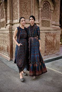Anita dongre indian suits, indian attire, indian dresses, indian clothes, i Indian Fashion Trends, Indian Designer Outfits, India Fashion, Ethnic Fashion, Asian Fashion, London Fashion, Mens Fashion, Indian Attire, Indian Ethnic Wear