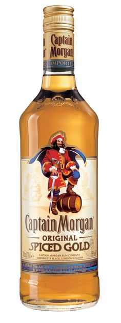 Captain Morgan- Im Sorey did you want to drink the whole bottle? Captain Morgan Spiced Gold, Captain Morgan Drinks, Summer Drinks, Bar Drinks, Alcoholic Drinks, Mezcal Tequila, The Secret, Mixer, Caribbean