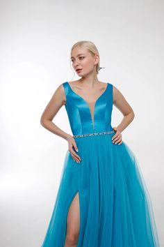 Samira – potapenkoyanchenko Chic Wedding Dresses, Formal Dresses, Glamorous Wedding, Bohemian Style, Wedding Ceremony, Glamour, Vintage, Fashion, Dresses For Formal